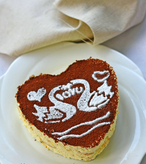 杭州蛋糕培训班推荐:心形提拉米苏的做法